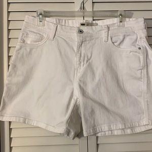 Levi White Shorts